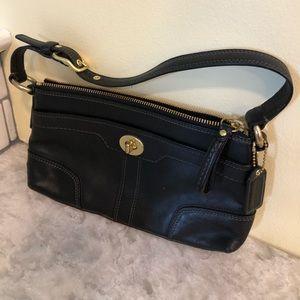 Coach shoulder bag - Small black w/ gold hardware